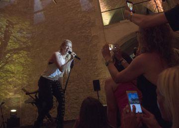 Shakira anuncia cuatro conciertos en...